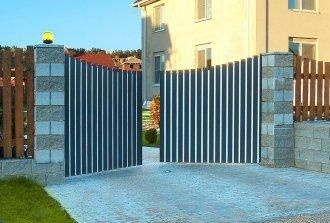 Особенности и конструкция распашных ворот своими руками