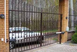 Как самому сделать ворота из профильной трубы?