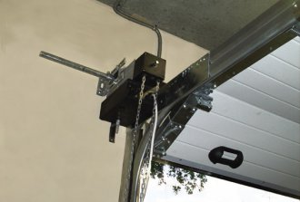 Регулировка секционных гаражных ворот своими руками