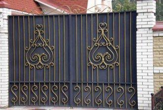 Сварные ворота с элементами ковки: эстетичность и прочность