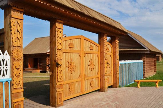 Деревянные ворота как исскуство