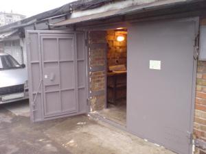 Металлические ворота в гараж