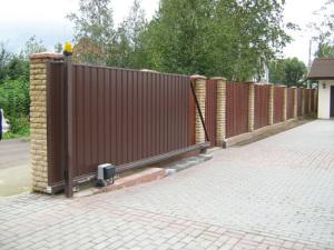 Металлопрофильные ворота и забор