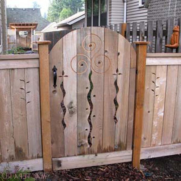 фото резные ворота из дерева