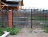 Поликарбонат как материал для ворот и ограждений