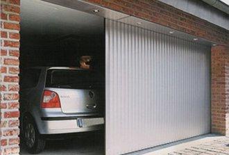 Как самостоятельно соорудить откатные ворота консольного типа?