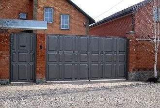 Распашные ворота оригинального оформления и отличного качества