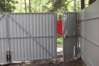 Самостоятельная установка ворот из профнастила
