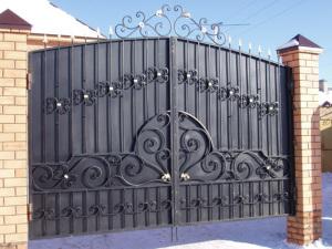 Кованные ворота можно сделать самому