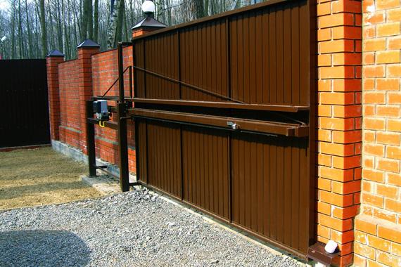 Откатные ворота со средней балкой