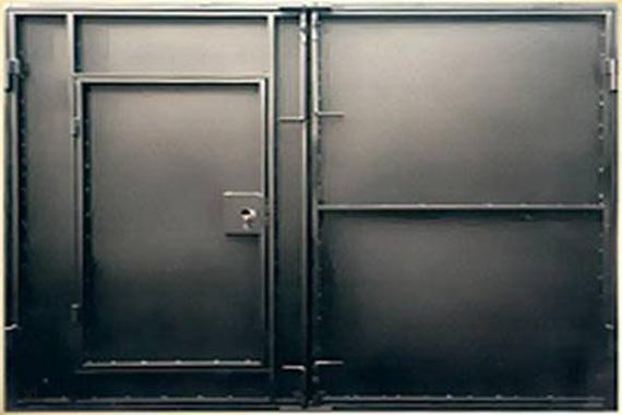 Внутренняя сторона гаражных ворот