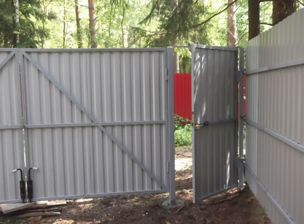 Конструкция калитки и ворот
