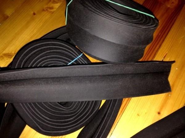 Резиновые уплотнители для гаражных ворот